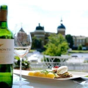 God mat med vacker utsikt mot Gripsholms Slott