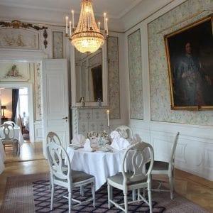 En av slottets matsalar