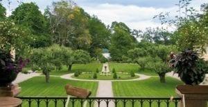 Ta en promenad i slottsparken